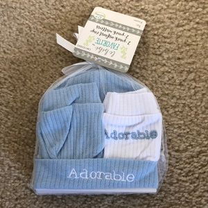 Other - Newborn hats and mittens-NWT